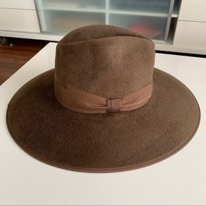 NWT Hat Brown Gucci Cowboy M Sereno Fur Authentic